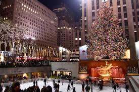 Rockefeller Plaza Christmas Tree Location by In New York City For The Holidays The Travel Bug Geek