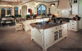 2 3 OLYMPUS DIGITAL CAMERA 5 Italian Kitchens Are Very Comfortable Beautiful