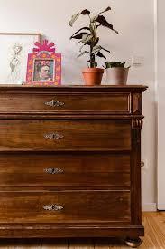 die alte kommode im schlafzimmer kommode vintage
