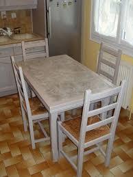relooker une table de cuisine relooker table de cuisine peindre un meuble en bois une table par