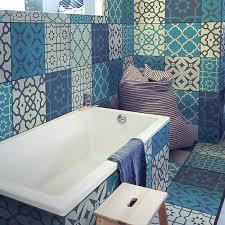 verschönere dein bad mit unseren blauen fliesenfolien und