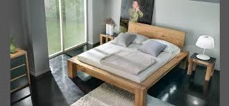chambre bois massif contemporain chambre a coucher en bois massif idées de décoration capreol us