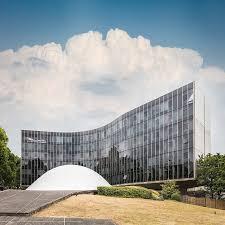 siege du pcf modernist architecture niemeyer s brutalist masterpiece in