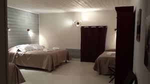 chambres d hotes les epesses chambre d hôtes magnolia aux deux cèdres 85590 les epesses
