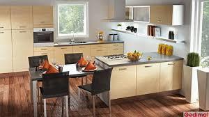 cuisine poele a bois modele cuisine gedimat beautiful ambiances cuisines les ambiances