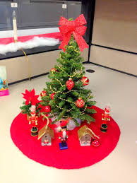 40 new christmas cubicle decorations christmas office decoration