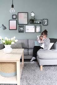 bilder aufhängen die richtige anordnung wohnzimmer