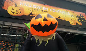 Seymour Pumpkin Festival Parking by 9 Places To Buy A Halloween Costume In Vancouver Daily Hive