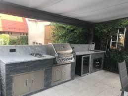 stein außenküche auf terrasse outdoor küche eingebauter