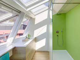badezimmer fenster für mehr tageslicht velux magazin