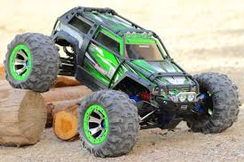 10 Totally Awesome Monster Truck Party Games