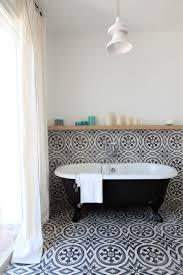 82 تصاميم بلاط الحمام رهيبة ليلهم