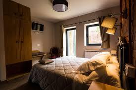 chambre arbre bed and breakfast l arbre chambres à lens booking com