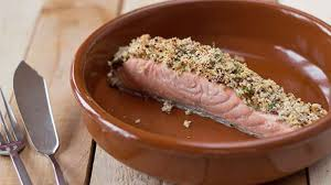 pavé de saumon en croûte de moutarde à l ancienne et d estragon
