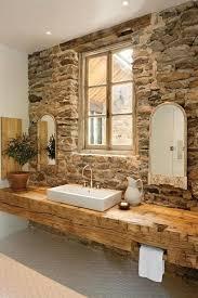 holz waschbecken steinwand rustikale einrichtung idee