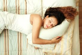 schlafen bei hitze so klappt es garantiert brigitte de