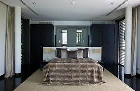 der platz hinter dem bett im schlafzimmer stilvolles design