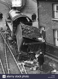 100 Shunting Trucks Nov 11 1952 Engine And Tender Crash Into Cottage At