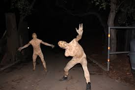 Halloween Mazes In Los Angeles Ca by Los Angeles Haunted Hayride Fades Into The Darkness Of Halloween