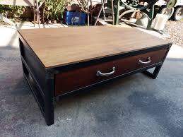 tables industrielle sur mesure et sur commande en bois mètal