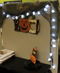 Halloween Cubicle Decorating Ideas by Office Decor Halloween Cubicle Decoration Pinterest