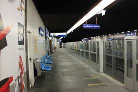 File Metro de Paris Line 13 Miromesnil Platform screen doors