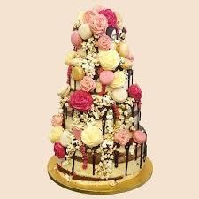 Rustic Chic Macaron Roses Wedding Cake