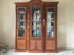 echtholzmöbel wurzelholz vitrine anrichte tisch stühle