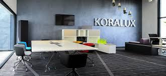 mobilier de bureau design haut de gamme mobilier de bureau koralux bouscule la hiérarchie sur le haut de