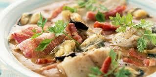 cuisine soupe de poisson soupe de poisson aux lardons facile et pas cher recette sur