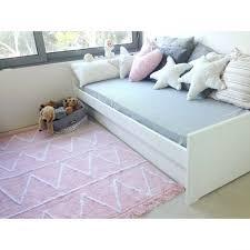 tapis pour chambre la confortable tapis chambre bébé fille nicoleinternationalfineart