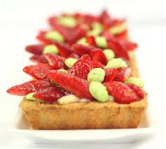 tarte aux fraises pate feuilletee tarte fraise 3 amira mini macaron tarte fraise et