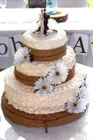 Country Daisy Wedding Cake