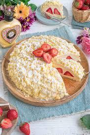 kokos erdbeer torte mit verpoorten original eierlikör vom weltmeister der konditoren