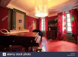hotel avec dans la chambre vaucluse saignon chambre de sejour avec vue hotel vaucluse department stock