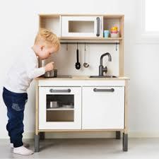 cuisine enfant 3 ans cuisine en bois enfant ikea intérieur intérieur minimaliste
