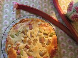 saftiger saurer rhabarberkuchen landidylle