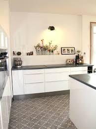 cuisine blanche et cuisine blanche et bois ikea finest dcoration cuisine blanc et bois