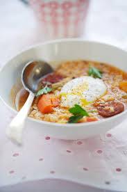 cuisiner lentilles s hes white lentil soup with chorizo and paprika soupe aux