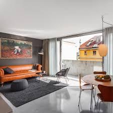 loft wohnzimmer mit vintage design klassikern loft