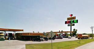 Couples Bloody Brawl At Truck Stop Was Over Single Facebook Status Police Say