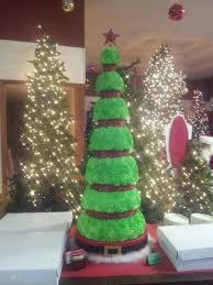 45 Ft Tall Christmas Tree Cake