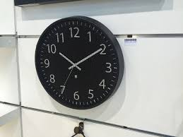 modern and cool wall clocks that favor looks without neglecting
