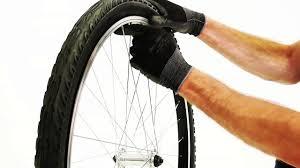 la chambre a air comment changer la roue et la chambre à air sur vélo