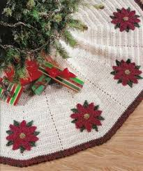 FREE Designed By Mary Janelooks Like A Super Easy Pattern Too Find This Pin And More On Christmas Tree Skirts
