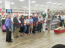 Lomax Carpet And Tile Exton Pa by Lomax Carpet U0026 Tile Mart Opens At Coventry Mall