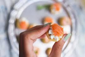 pate brisee au fromage bouchées apéritives saumon fromage ou crevette avocat
