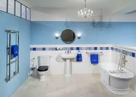 klassisches badezimmer im englischen stil klassisch