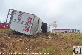 100 Paschall Truck Lines Ers Walk Away From Rollover Wreck The Gonzales Inquirer