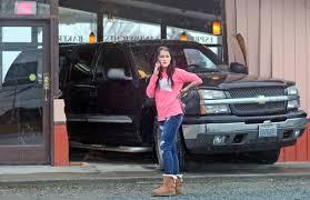 Truck Backs Into Coffee Shop   Local News   Goskagit.com